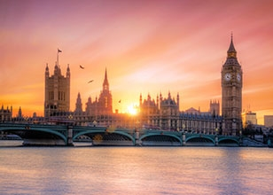 Navigate your way from Florida to London to visit sights such as Stonehenge, Windsor Castle and more!